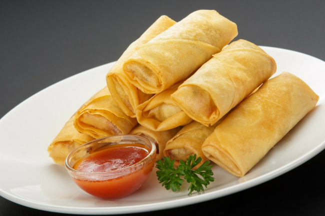 crispy spring rolls with sauce
